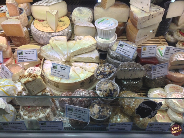 The quintessential cheese-in-Paris photo